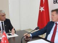 Arıklı Sanayi Odası Başkanı Kamacıoğlu'nu ve Yönetim Kurulu Üyelerini Kabul Etti