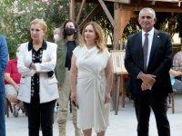 """Cumhurbaşkanı Ersin Tatar'ın eşi Sibel Tatar, """"Minyatür Kıbrıs Kapıları"""" sergisinin açılışını gerçekleştirdi"""