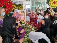 HDP'ye saldırıda ölen Deniz Poyraz'ı binlerce kişi uğurladı