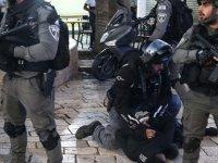 İsrail polisi, Kudüs'te Şeyh Cerrah Mahallesi'ndeki Filistinlilere yine saldırdı