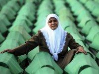 Srebrenitsa Katliamı'nın 26. yılı: 19 kişi daha defnedilecek