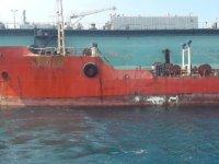 Gülseren'de Geçen Yıl Karaya Oturan Tanker Kurtarıldı