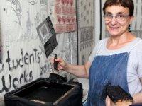 """Veliye Martı'nın """"Kıbrıs Sandık Motifleri Yazma Kalıpları Sergisi"""" açılıyor"""