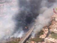 İtalya yangınlarla boğuşuyor