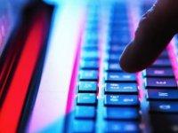 Küresel İnternet Kesintisi Ünlü Firmalara Ait Web Sitelerini Hizmet Dışı Bıraktı