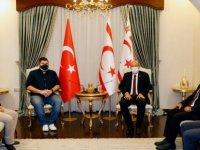 Cumhurbaşkanı Tatar Yenicami Ağdelen Spor Kulübü (YAK) Heyetini Kabul Etti