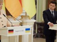 Merkel ve Zelenskiy Ukrayna'da görüştü
