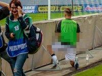 Fenerbahçe'nin yıldızı Pelkas'tan skandal hareket: Sahanın kenarına işedi