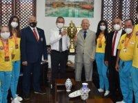 Ataoğlu, Kırgızistan'da Düzenlenen Müsabakalarda Şampiyon Olan KKTC Taekwondo Takımı'nı Kabul Etti