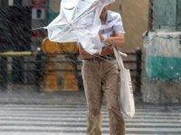 Japonya'da tayfun: 5 kişi yaralandı