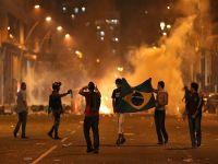 Brezilya'da göstericiler polisle çatıştı