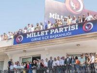 Girne de Zaroğlu'ndan miting gibi toplantı...