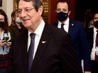 Anastasiadis: Kıbrıs taksimin eşiğinde