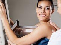 Düzenli yapılan mamografi taraması:  Tümörü 'Saldırgan tip'e dönüşmeden yakalıyor!