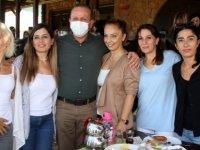 Ataoğlu, DP Güzelyurt ve Lefke Kadın örgütlerinin düzenlediği kahvaltı organizasyonuna katıldı