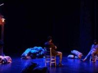 Türkiye'de Ödül Alan Tiyatro Oyununun Yönetmeniyle Söyleşi