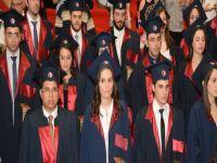Yakın Doğu Üniversitesi Tıp Fakültesi 2.Dönem Mezunlarını verdi