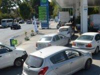 KKTC'deki Benzin Kuyruğu Rum Basınında