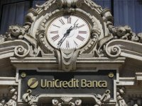 Unicredit'ten dolar/TL'de sert güncelleme
