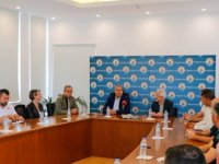 Nilüfer Belediye Başkanı Erdem, Gazimağusa Belediyesi'ni Ziyaret Etti