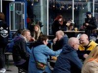 Danimarka'da yüksek aşılama oranına rağmen vaka sayısı artıyor