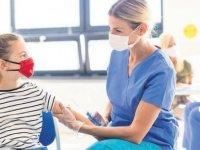ABD'de çocuklara Pfizer-BioNTech aşısı için tavsiye kararı çıktı, Çin'de ise aşılama başlıyor