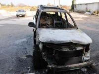 Lefkoşa'da  çıkan yangın araçları kül etti...