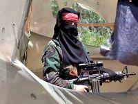 Filistinli kadınlar silah kullanmayı öğreniyor