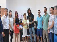 """DAÜ Sağlık Bilimleri Fakültesi öğrencisine """"Mete Adanır Yılın Sporcusu"""" ödülü verildi"""
