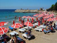 Girne Belediyesinden ibretlik plaj işletmeciliği