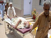 Pakistan'da 1400 can kaybı!