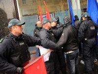 G8 protestosuna polisten müdahale