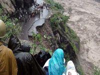 Hindistan'da ölü sayısı 600'e yükseldi