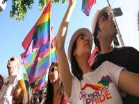 Güney Kıbrıs'ta eşcinsel evliliği tatile takıldı...