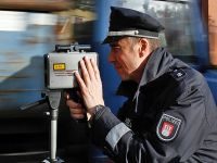 Almanya'da eş zamanlı hız kontrolü uygulaması