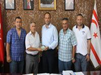 İskele Esnafından, Belediye Başkanı Sadıkoğlu'na ziyaret