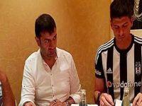 Gomez Beşiktaş formasını giydi, imzayı attı!
