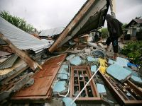 Endonezya'daki depremde ölü sayısı 30'a yükseldi
