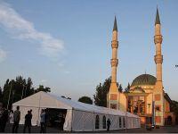 İftar çadırları Türkiye'yi aratmıyor