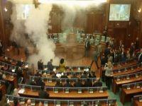 Meclise göz yaşartıcı bomba attı