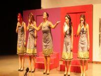 Gazimağusa Belediye Tiyatrosu Dullar Oyunu'nun Promiyer Gösterimini yaptı