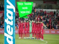 Türkiye-Yunanistan maçındaki 'saygısız duruş'u dünya da gördü:  Utanç verici