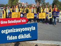 Girne Belediyesi'nin organizasyonuyla fidan dikildi.