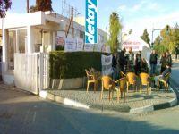 Belediye personeli, Meclis girişine çadır kurdu
