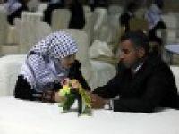 Gazze'de 50 çift evlendi
