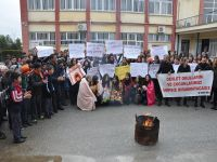 Akdoğan'da battaniyeli protesto