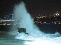 İstanbul'da lodos fırtınası