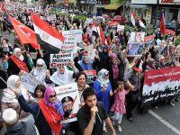Berlin'de Mursi'ye destek gösterisi