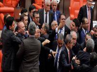 TC Meclisinde bugün: Şuursuz, ruh hastası, yavşak!