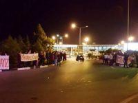 Başbakan'a Ercan'da protesto